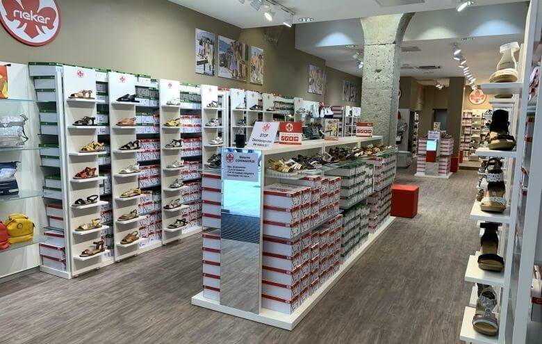 photo intérieur du nouveau magasin de chaussures rieker à lyon